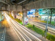 Μακροχρόνιο φως αυτοκινήτων έκθεσης στη Μπανγκόκ Στοκ εικόνα με δικαίωμα ελεύθερης χρήσης