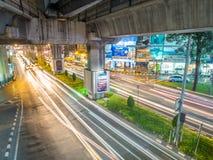 Μακροχρόνιο φως αυτοκινήτων έκθεσης στη Μπανγκόκ Στοκ Φωτογραφία