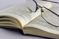 μακρο γυαλιών βιβλίων Στοκ Φωτογραφία