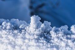 Μακρο εικόνα του χιονιού που παρουσιάζει του ` s αληθινή ομορφιά Στοκ εικόνες με δικαίωμα ελεύθερης χρήσης
