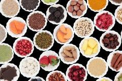 μακρο λευκό στούντιο υγείας τροφίμων νιφάδων καλαμποκιού ανασκόπησης Στοκ Εικόνες