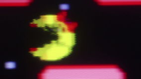 Μακρο κα $cu Το Pacman που τρώει τα σημεία στην κορυφή ro, μετακινείται τη κάμερα που ακολουθεί απόθεμα βίντεο