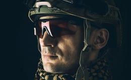 Μακρο πορτρέτο του όμορφου στρατιωτικού στοκ εικόνες με δικαίωμα ελεύθερης χρήσης
