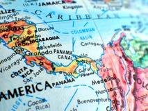 Μακρο πυροβολισμός εστίασης του Παναμά στο χάρτη σφαιρών για το ταξίδι blogs, τα κοινωνικά μέσα, τα εμβλήματα ιστοχώρου και τα υπ Στοκ Εικόνες