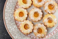 Μακρο πυροβολισμός των εύγευστων μπισκότων μαρμελάδας Στοκ Εικόνα