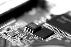 Μακρο φωτογραφία του ηλεκτρονικού πίνακα κυκλωμάτων του τσιπ υπολογιστή Στοκ Φωτογραφίες