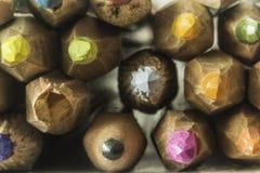 Μακρο φωτογραφία των χρωματισμένων μολυβιών Μπροστινή φωτογραφία των μολυβιών Στοκ Εικόνα