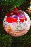 Μακρο φωτογραφία Φωτεινά παιχνίδια χριστουγεννιάτικων δέντρων γυαλιού Στοκ Εικόνα