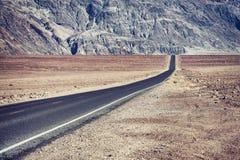 Μακρύς δρόμος στην έρημο της Αριζόνα, ΗΠΑ Στοκ Φωτογραφία