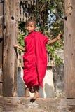Μακρύς-necked γυναίκα φυλών φυλών πορτρέτου padaung Λίμνη Inle, το Μιανμάρ, Βιρμανία Στοκ εικόνα με δικαίωμα ελεύθερης χρήσης