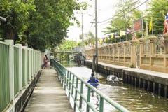 Μακρύ ποταμόπλοιο μακρύς-ουρών βαρκών ουρών στη Μπανγκόκ, Ταϊλάνδη, Στοκ Εικόνα
