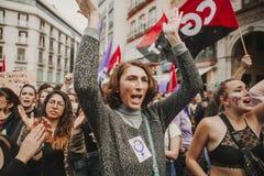 ΜΑΛΑΓΑ, ΙΣΠΑΝΙΑ - 8 ΜΑΡΤΊΟΥ 2018: Χιλιάδες γυναίκες συμμετέχουν στη φεμινιστική απεργία την ημέρα γυναικών στο κέντρο πόλεων της  Στοκ Εικόνες