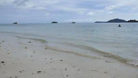 Μαλακά κύματα στη θάλασσα απόθεμα βίντεο