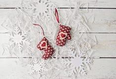 Μαλακά παιχνίδια διακοσμήσεων Χριστουγέννων χειροποίητα Στοκ εικόνα με δικαίωμα ελεύθερης χρήσης