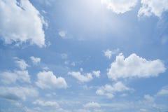 Μαλακοί ουρανοί ήλιων Στοκ Φωτογραφία