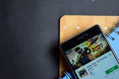 Μανία ελεύθερων σκοπευτών: Τοπ παιχνίδι πυροβολισμού - FPS dev app στην οθόνη Smartphone στοκ φωτογραφίες με δικαίωμα ελεύθερης χρήσης