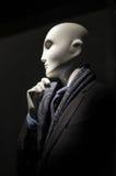 Μανεκέν στο μαύρο κοστούμι & τον πορφυρό δεσμό Στοκ Εικόνες