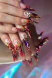 Μανικιούρ των όμορφων χεριών Στοκ φωτογραφία με δικαίωμα ελεύθερης χρήσης