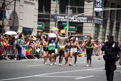 Μανχάταν, Νέα Υόρκη, τον Ιούνιο του 2017: πορεία στην ομοφυλοφιλική παρέλαση υπερηφάνειας Στοκ Φωτογραφίες