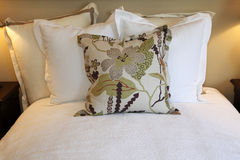 μαξιλάρια κρεβατοκάμαρω& Στοκ Φωτογραφία