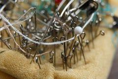 Μαξιλάρι καρφιτσών με το ράψιμο των καρφιτσών Στοκ Εικόνα