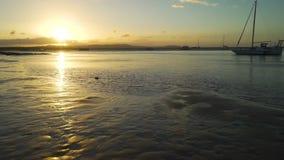 μαρίνα 1770 στο Queensland στο ηλιοβασίλεμα στην Αυστραλία απόθεμα βίντεο