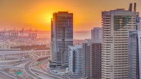Μαρίνα του Ντουμπάι με το ζωηρόχρωμο ηλιοβασίλεμα στο εναέριο timelapse του Ντουμπάι, Ηνωμένα Αραβικά Εμιράτα απόθεμα βίντεο