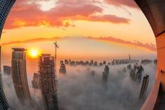 Μαρίνα του Ντουμπάι με το ζωηρόχρωμο ηλιοβασίλεμα στο Ντουμπάι, Ηνωμένα Αραβικά Εμιράτα Στοκ φωτογραφία με δικαίωμα ελεύθερης χρήσης