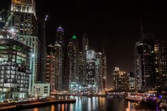 Μαρίνα του Ντουμπάι τη νύχτα, Ε Στοκ φωτογραφία με δικαίωμα ελεύθερης χρήσης