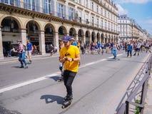 Παρίσι r Το Μάιο του 2018 Μαραθώνιος πατινάζ κυλίνδρων στις κεντρικές οδούς του Παρισιού στοκ φωτογραφία με δικαίωμα ελεύθερης χρήσης