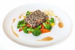 Μαριναρισμένος σολομός με τα λαχανικά Στοκ Φωτογραφία