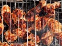 Μαριναρισμένο ψημένο στη σχάρα πόδι κοτόπουλου Στοκ Εικόνα