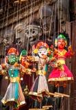 Μαριονέτες αναμνηστικών που κρεμούν στην οδό του Νεπάλ Στοκ εικόνα με δικαίωμα ελεύθερης χρήσης