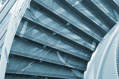 μαρμάρινα σύγχρονα σκαλο&p Στοκ Φωτογραφίες