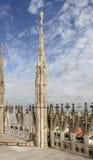 Μαρμάρινες πυραμίδες στη στέγη καθεδρικών ναών, Μιλάνο, Ιταλία Στοκ εικόνες με δικαίωμα ελεύθερης χρήσης