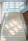 Μαρμάρινη σκάλα στο ξενοδοχείο Στοκ Εικόνες