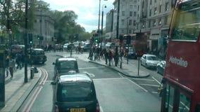 Μαρμάρινο χρονικό σφάλμα αψίδων με το λεωφορείο απόθεμα βίντεο