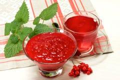 Μαρμελάδα και ποτό από Schisandra chinensis Στοκ Φωτογραφίες