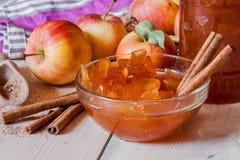 μαρμελάδα κανέλας μήλων Στοκ εικόνες με δικαίωμα ελεύθερης χρήσης