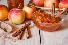 μαρμελάδα κανέλας μήλων Στοκ Εικόνες