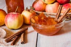 μαρμελάδα κανέλας μήλων Στοκ Φωτογραφίες