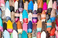 Μαροκινές παραδοσιακές παντόφλες γυναικών Στοκ φωτογραφία με δικαίωμα ελεύθερης χρήσης