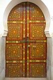Μαροκινή χρωματισμένη ξύλο πόρτα κέδρων Στοκ εικόνα με δικαίωμα ελεύθερης χρήσης