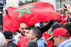 Μαροκινοί οπαδοί ποδοσφαίρου πριν από την αντιστοιχία με την Ισπανία Στοκ φωτογραφία με δικαίωμα ελεύθερης χρήσης