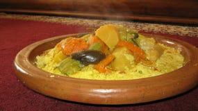 Μαροκινό πιάτο κουσκούς Στοκ φωτογραφίες με δικαίωμα ελεύθερης χρήσης