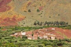 Μαροκινό χωριό στα βουνά αντι-ατλάντων Στοκ Φωτογραφία