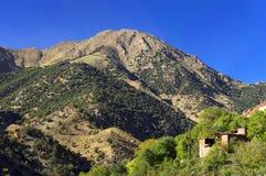 Μαροκινό χωριό στα βουνά αντι-ατλάντων Στοκ φωτογραφίες με δικαίωμα ελεύθερης χρήσης