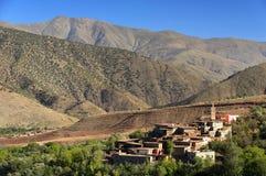 Μαροκινό χωριό στα βουνά αντι-ατλάντων Στοκ Φωτογραφίες