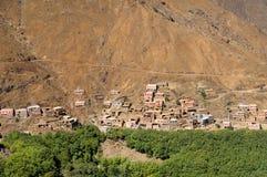 Μαροκινό χωριό στα βουνά αντι-ατλάντων Στοκ φωτογραφία με δικαίωμα ελεύθερης χρήσης
