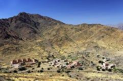 Μαροκινό χωριό στα βουνά αντι-ατλάντων Στοκ εικόνα με δικαίωμα ελεύθερης χρήσης